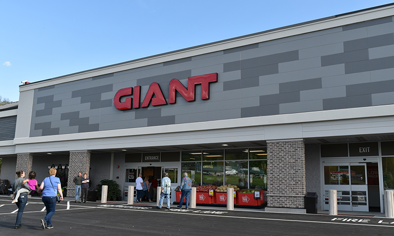 Giant_Food_Stores_Walnutport_May_2019.png