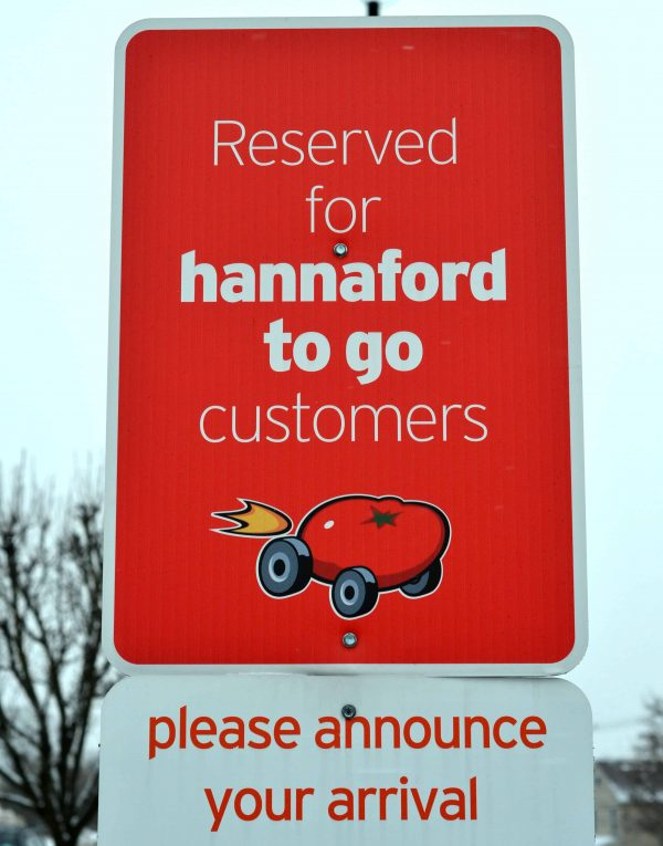 Hannaford_To_Go_pickup_sign.jpg