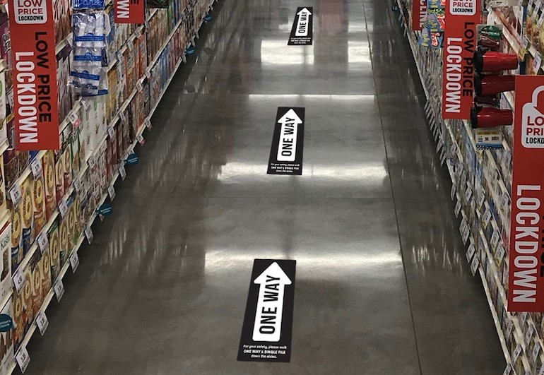 Hy-Vee one-way aisles signs-coronavirus