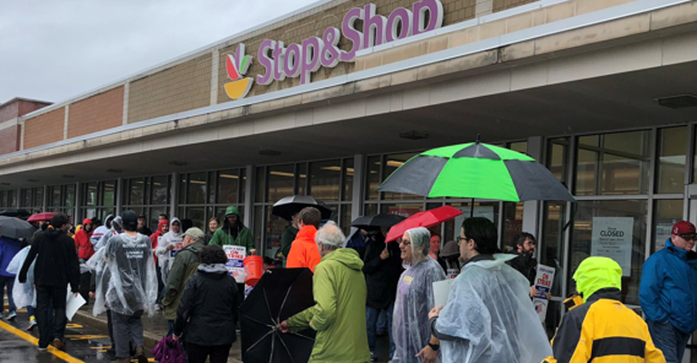 Stop_and_Shop_strike_picket_line_at_store.PNG.png