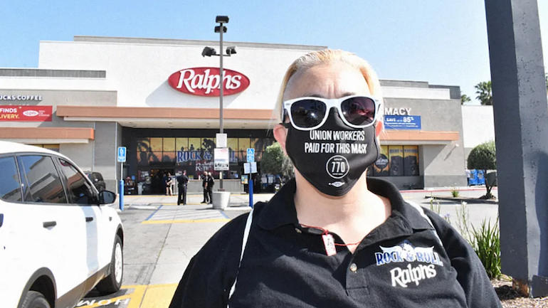 UFCW 770 member with face mask-Ralphs store-coronavirus