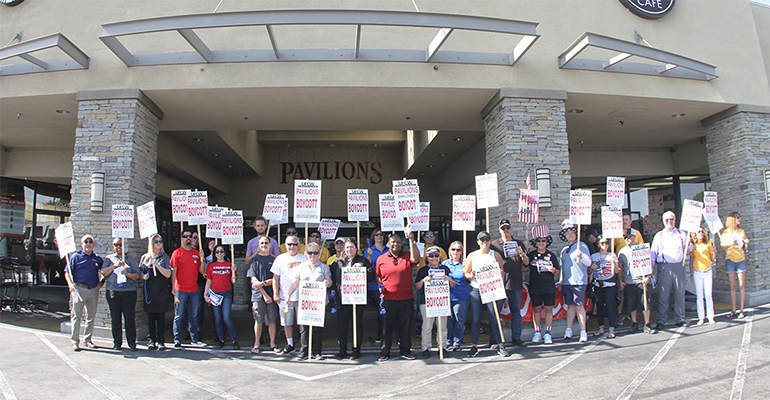 UFCW_324_rally_at_Pavilions_7-3-19.png