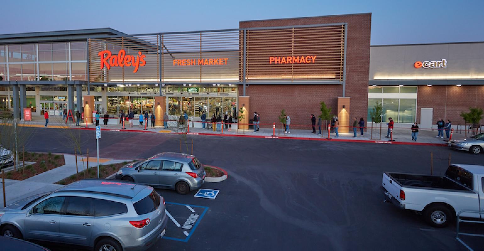 Is Raleys Nob Hill Open Christmas 2020 Raley's unveils new flagship store in Sacramento | Supermarket News