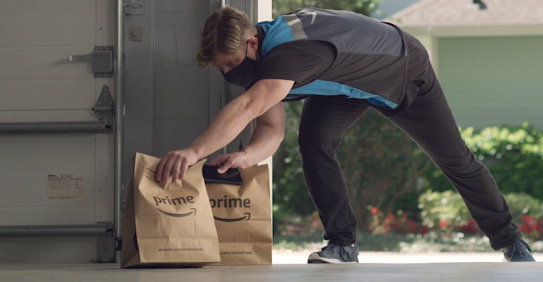 Amazon_Key_In-Garage_Grocery_Delivery_person.png
