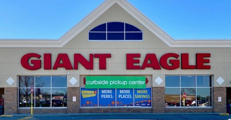 Giant_Eagle_curbside_pickup_center_store.jpg