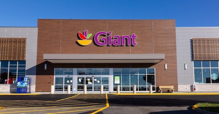 Giant_Food_Landover-supermarket_exterior.jpg