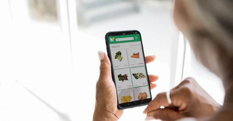 Grocery e-commerce-GettyImages-1218593378.jpg