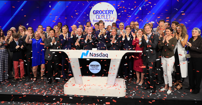 Grocery_Outlet_team_IPO_at_Nasdaq.png