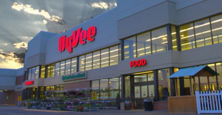Hy-Vee_storefront-evening.png
