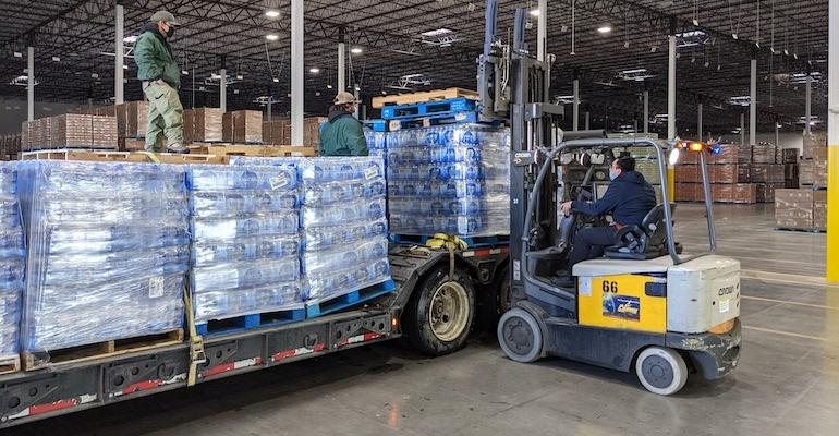 Kroger-Texas_winter_storm_relief-water.jpg