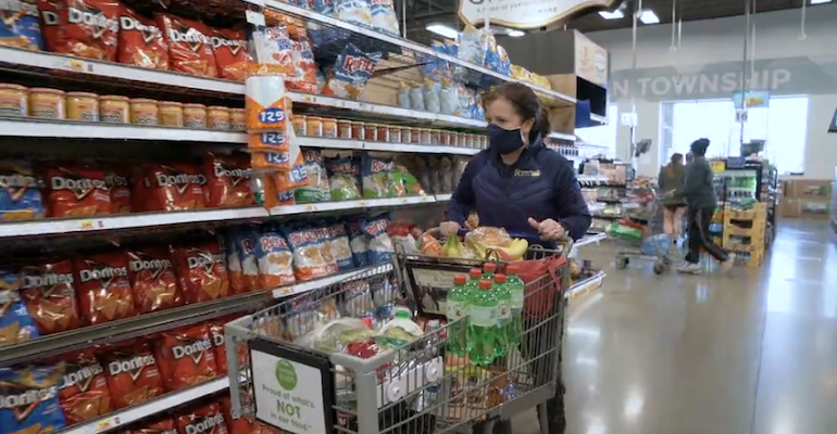 Kroger_grocery_shopper-COVID_0.png