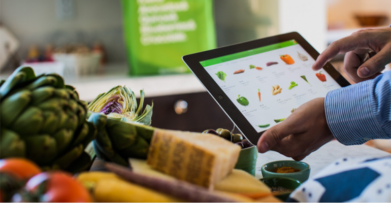 Online_grocery_shopping_tablet.png
