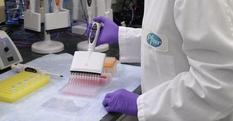Pfizer_COVID_vaccine-lab.jpg