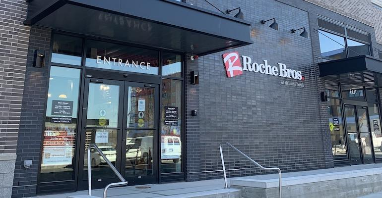 Roche Bros-Arsenal Yards storefront-Watertown MA.jpg