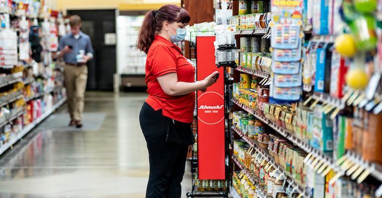 Schnuck Markets-store associate_from Simbe Technologies.jpg