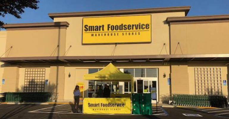 Smart_Foodservice_Warehouse-cash&carry_store.jpg