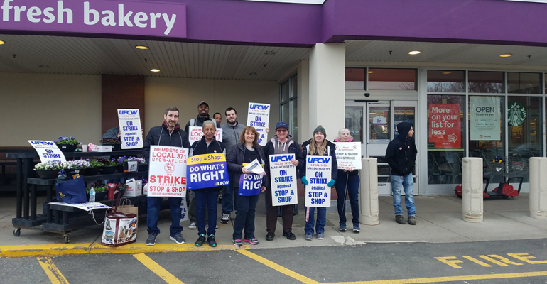 Stop_&_Shop_NE_striking_employees.png
