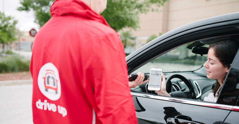 Target_Drive_Up_service_customer_in_car-promo.png