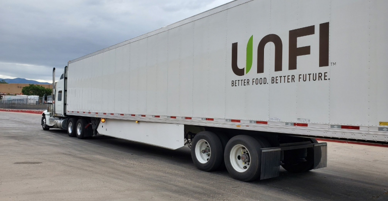 UNFI_trailer_truck.png