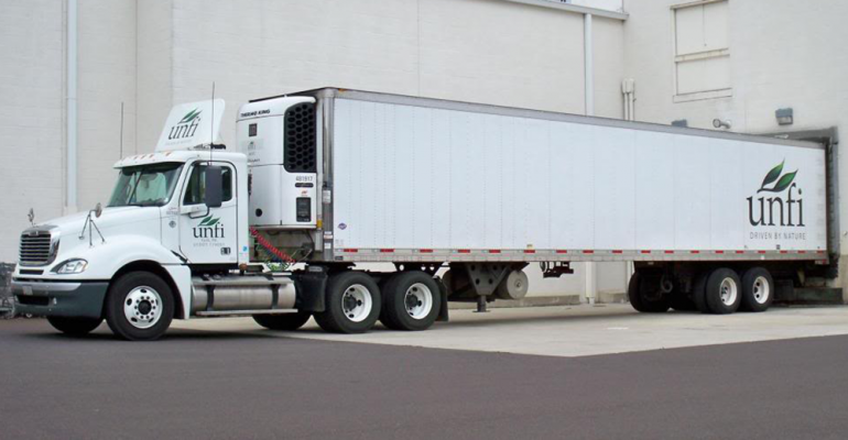 United_Natural_Foods_truck_at_DCb.png