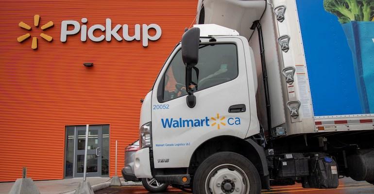 Walmart_Canada-delivery_truck-pickup_area-Vaughan_ON.jpg