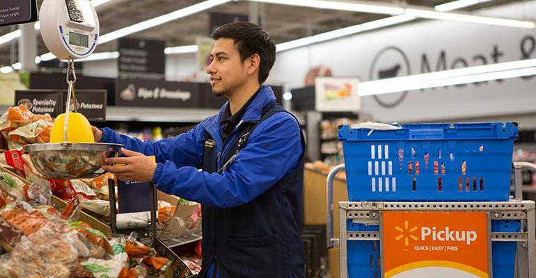 Walmart_personal_shopper_grocery_pickup.jpg