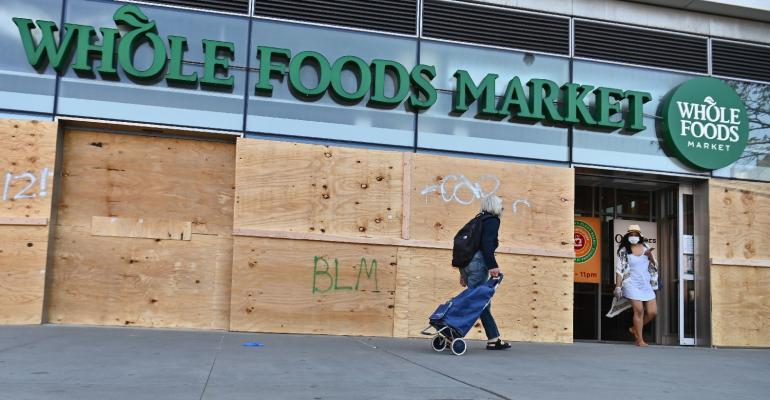 Whole Foods-riots-GettyImages-1216821532.jpg