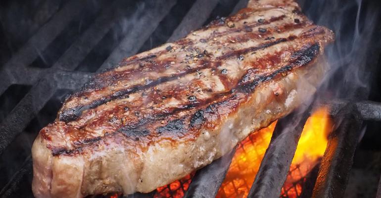 grillingmeatgrill.png