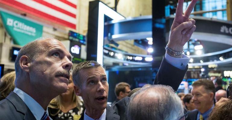 Smart & Final begins public trading