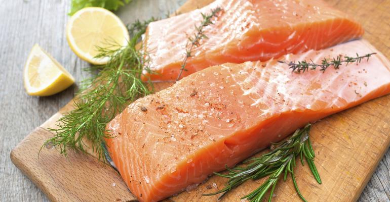 FDA approves GE salmon