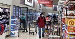Smart_&_Final_shoppers-aisle-COVID19_copy.png
