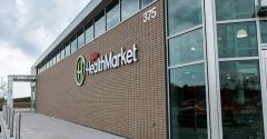 Hy-Vee_HealthMarket_store_West_Des_Moines.png