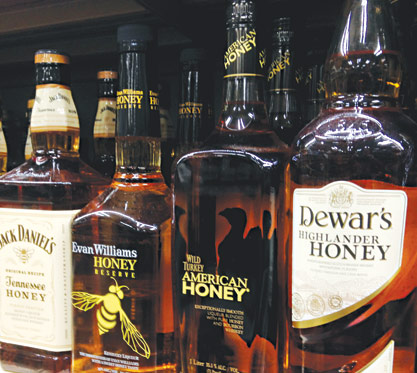 Jack Daniel's Tennessee Honey blends Tennessee Whiskey and a honey liqueur.