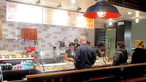 Blaze Pizza lets customers customize their pizzas.