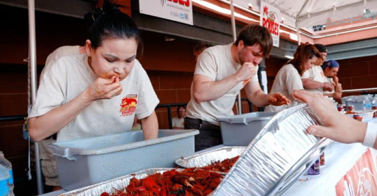 Reigning Champion Outeats Competitors at Rouses Crawfish Contest