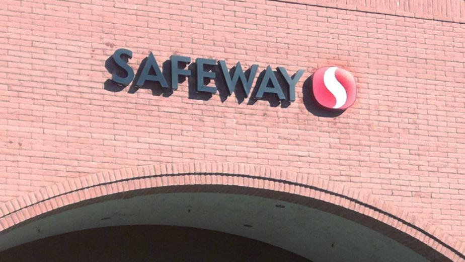 Safeway seen in need of help